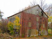 Abandoned farm foto.