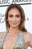LOS ANGELES - 19 de maio: Jennifer Lopez chega ao Billboard Music Awards 2013 no MGM Grand G