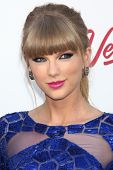 LOS ANGELES - 19 de maio: Taylor Swift chega ao Billboard Music Awards 2013 no Gar Grand MGM