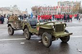 Samara, Russia - November 7, 2014: Reenactment Of The Battle Near Moscow In 1941 At The Kuibyshev Sq