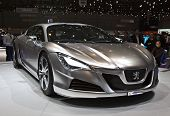 GENEVA - MARCH 7: Peugeot Hybrid HR4 concept car on display at the 79th International Motor Show Pal
