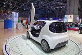Genebra - 8 de março: Visualização de Tata Pixel conceito automóvel sobre o 81 International Motor Show Palexpo-Ge