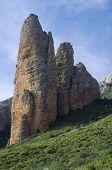montaña rocosa conocida como Mallos, Riglos, Aragon, España