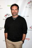 LOS ANGELES - 9 de JAN: Jason Patric na festa
