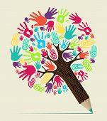 Diversidad mano concepto lápiz árbol