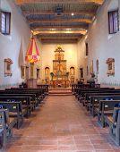 Interior de la misión de San Diego