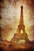 eiffel tower on grunge background