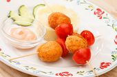 picture of mashed potatoes  - chicken balls with mashed potatoes - JPG