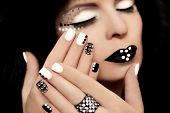 Manicure with rhinestones.