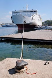 picture of passenger ship  - The image of a passenger ship - JPG