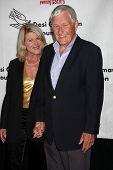 LOS ANGELES - 9 de outubro: Alley Mills, Orson Bean chega ao f benefício