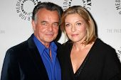 LOS ANGELES - NOV 29:  Ray Wise, Sheryl Lee arrive at