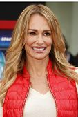 LOS ANGELES - MARCH 6:Taylor Armstrong arrives at the