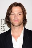 LOS ANGELES - MAR 13:  Jared Padalecki arrives at the