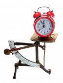 Campana de alarma roja en escalas de carta vieja