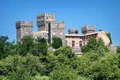 Постер, плакат: Старый замок в Тоскане Италия