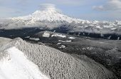 Mount Rainier, the tallest peak in Washington state, covered in snow