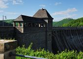 foto of dam  - Dam of the Edersee with south tower and castle Waldeck - JPG