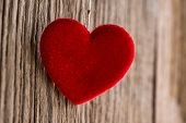 pic of soulmate  - Red heart hanging on wooden texture background - JPG