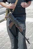 picture of kalashnikov  - Ukrainian police officer with Kalashnikov automatic rifle - JPG