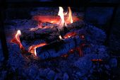picture of ashes  - Night extinguishing a fire - JPG