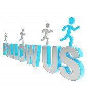 Menschen überfahren Symbolfiguren der Worte folgen Sie uns