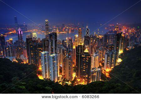 Постер, плакат: Виды ночи Гонконга, холст на подрамнике