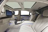 ������, ������: Car interior luxury back seats with multimedia & panoramic roof