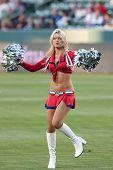 CARSON, CA. - 1 de junio: Chivas no identificado chica realiza antes de la Major League Soccer durante el ML