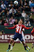 CARSON, CA. - 1 de junio: el Chivas USA jugador F Chris Cortez #27 durante el partido de la MLS en 01 de junio de 2011 en el