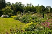 Attractive English Style Formal Garden