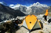 pic of freezing temperatures  - Camping in Artesonraju Morraine Camp - JPG