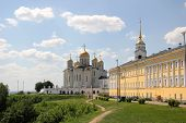 ������, ������: Dormition cathedral and chamber in Vladimir