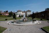 Villa Panza, Italia