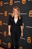 LOS ANGELES - MAY 10:  Wendi McLendon-Covey arrives at the Launch of Got Your 6  at SAG / AFTRA He