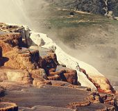 pic of mammoth  - Mammoth Hot Spring - JPG