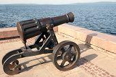 Pig-iron gun on Lake Onega