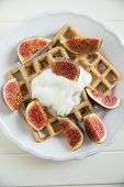 Waffles with fresh figs
