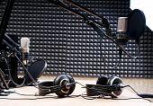 studio radio,