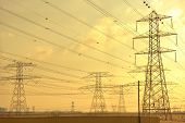 pic of dynamo  - Electrical power tansmission  lines and network towers - JPG
