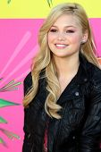 LOS ANGELES - MAR 23:  Olivia Holt arrives at Nickelodeon's 26th Annual Kids' Choice Awards at the U