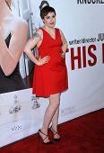 LOS ANGELES - DEC 12:  Lena Dunham arrives to the