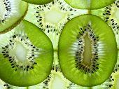 many kiwi slices
