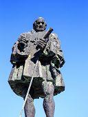 Frey Nicolas De Ovando Monument