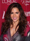 LOS ANGELES - 23 de septiembre: Maria Canals-Barrera llega a las variedades 2011 energía de mujeres en septiembre