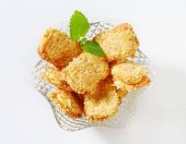 almond biscuits in a glass bowl