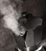 Italian coffee maker with vapor