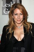 LOS ANGELES - MAY 10:  Joely Fisher at the L.A. Gay & Lesbian Center's