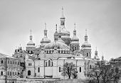 lavra black and white