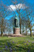 Statue von Petrus Canisius